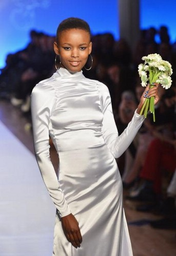 Le Smurfette - Runway -  Fall 2013 Conair Style360
